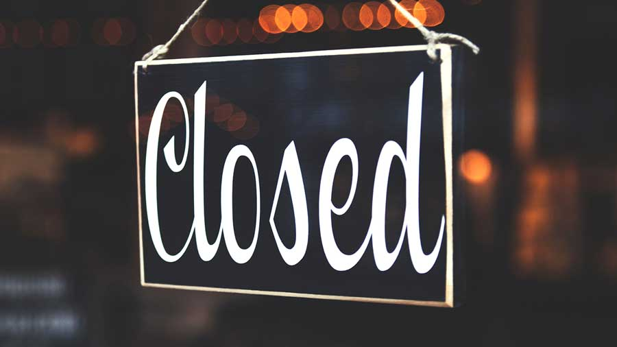 Picture of closed business sign